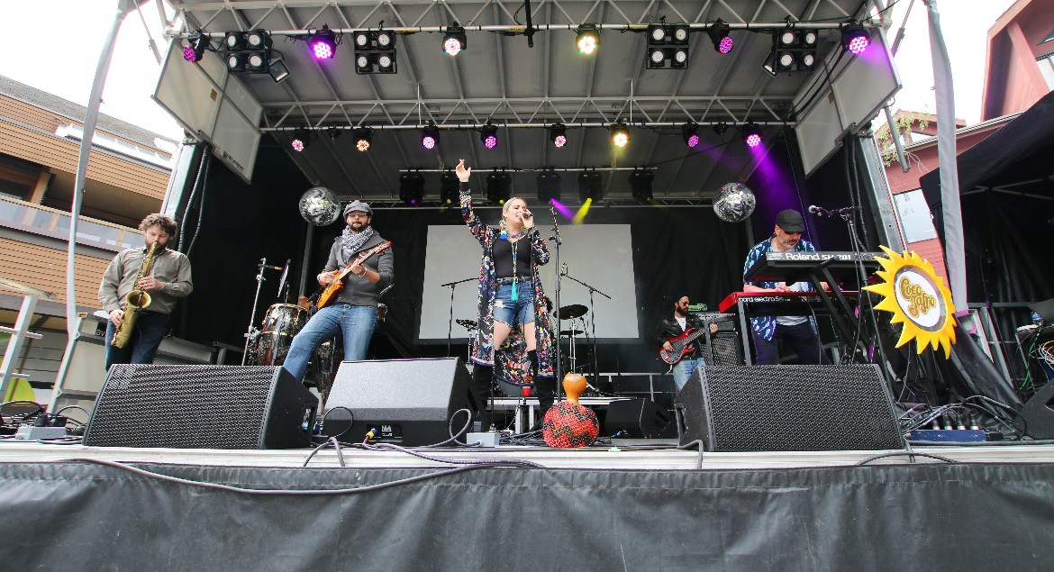Coco Jafro in Concert